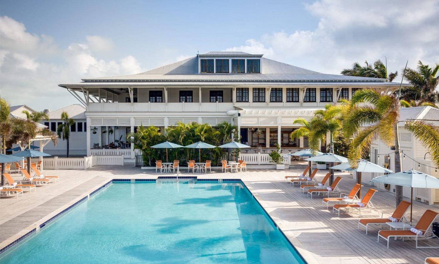 pool at mahogany bay resort