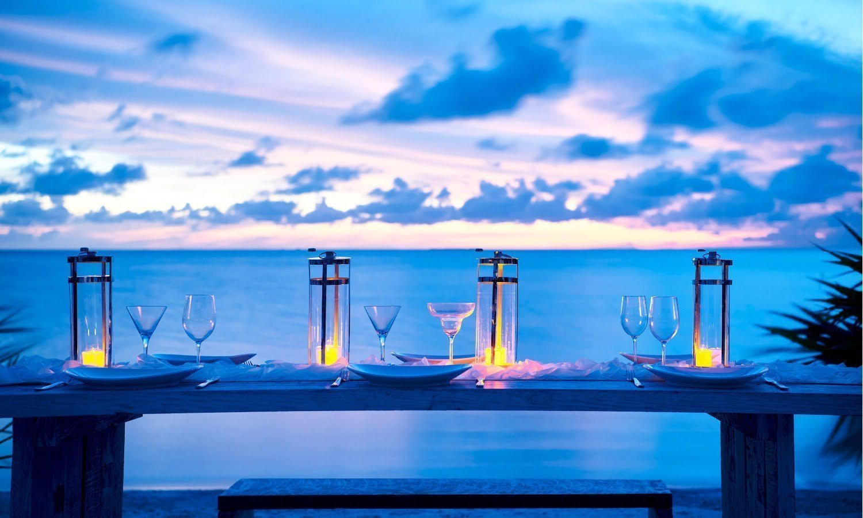 beach club dining setup