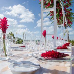 beach club wedding dinner
